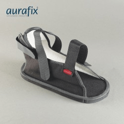 Scarpa coprigesso ed altri prodotti ortopedici per la cura del piede
